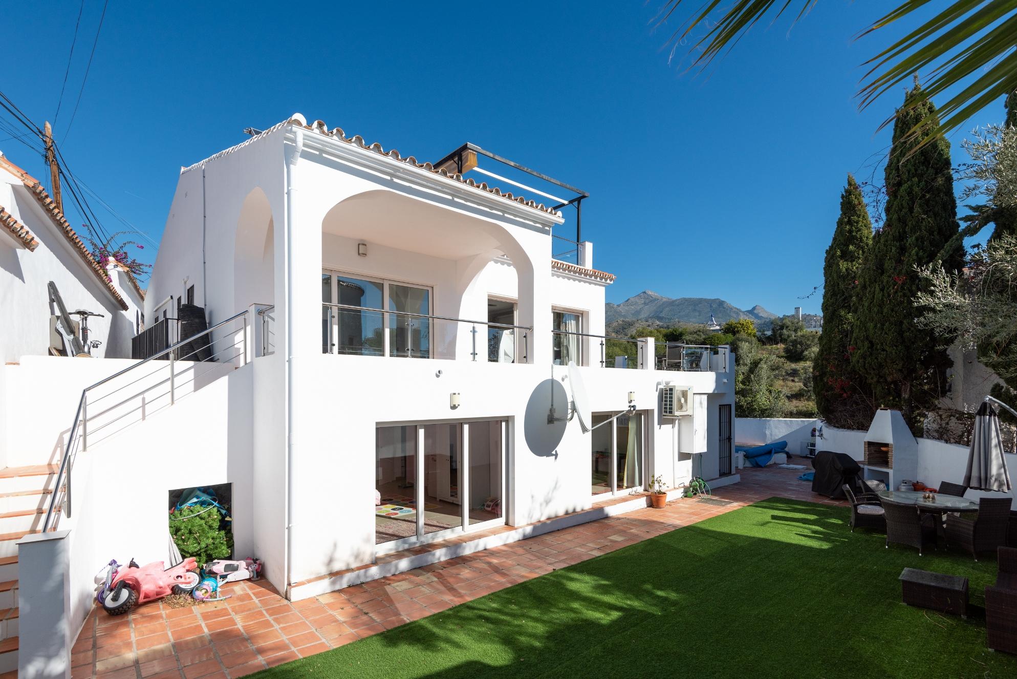 Te koop luxe villa in Nerja
